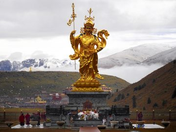 Standing statue of Guru Rinpoche at Dzogchen Monastery, Tibet 013
